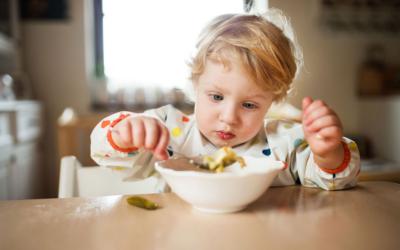 10 alimentos clave para potenciar el desarrollo cerebral del bebé